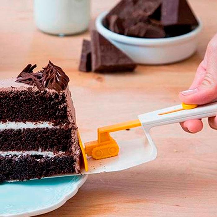 Cuchara para torta Cakedozer / Peleg Design