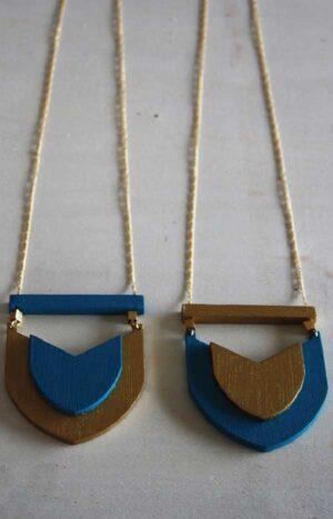 Collar Escudo Dorado / Mittú