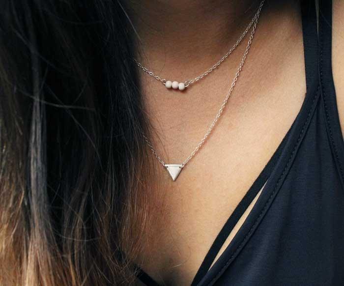 Collar Doble Triángulo Plata  / Mittú