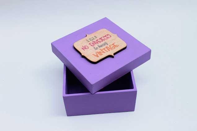 Caja Decorativa Vintage / Arte Vector