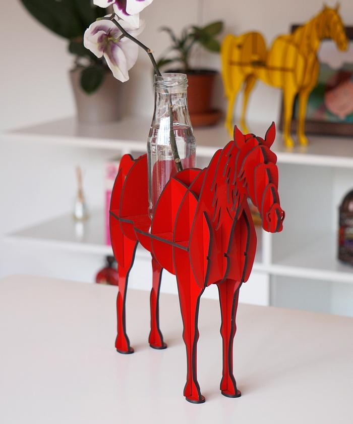 Caballo Rojo / Figúrate